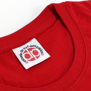 Etichette tessute nel colletto